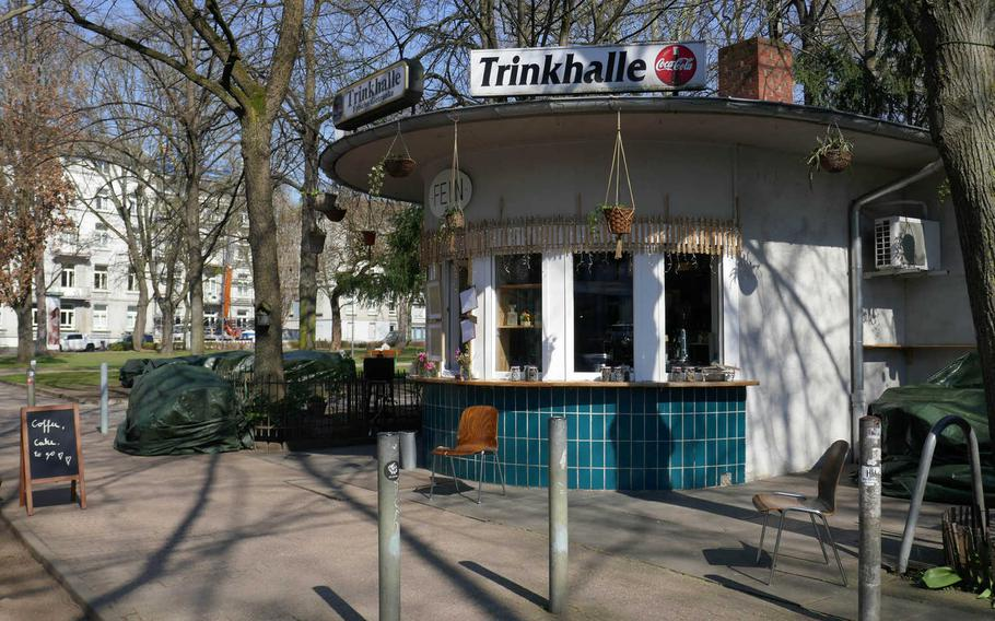Trinkhalle Fein in the Escherheimer Anlage in Frankfurt am Main, Germany, is a nice place for coffee and cake, or a drink, while walking through the Wallanlagen parks. There used to be more than 800 Trinkhallen (drink halls) and Wasserhaeuschen (little water houses) in Frankfurt, small kiosks where in the 19th century, Frankfurters could buy clean bubbly drinking water and meet with their neighbors. Today there are less that 300 dotting the city.