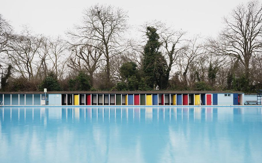 """Jonathan Syer, """"Tooting Bec Lido, London""""   Lidos were perhaps at their most popular between the wars when people took their holidays here in England. Many of them were built in the 1930s or earlier and were naturally located on the English south coast, which was a favoured holiday destination for those living in London and the home counties. Most have been left to decay or lost under modern developments, such as Ramsgate's once booming pool which is now under a car park."""