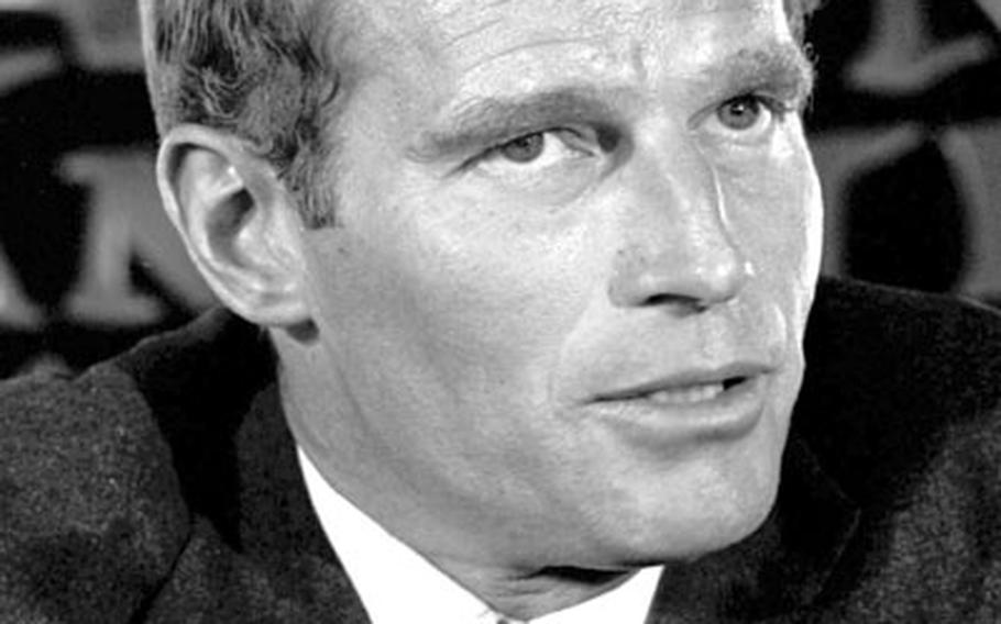 Charlton Heston at a January, 1966 press conference in Tokyo.