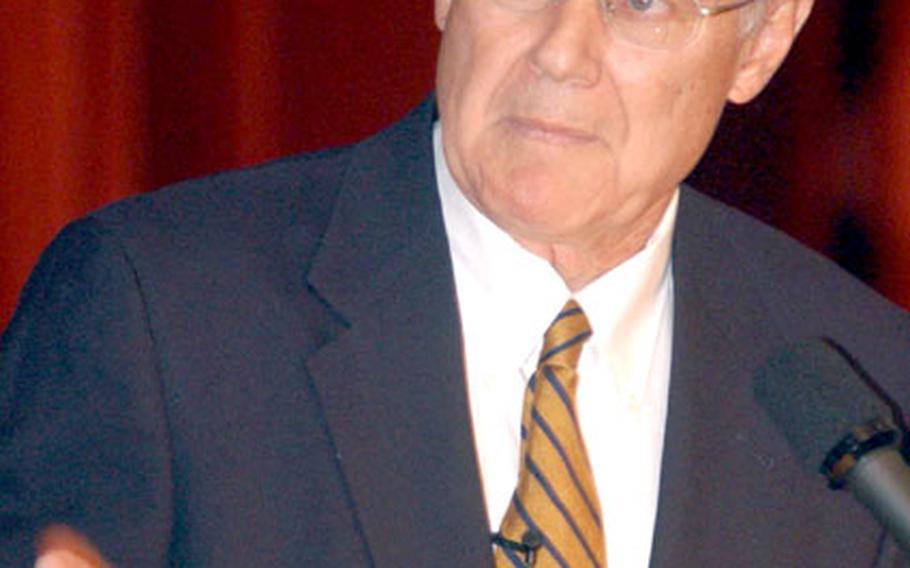 At Land Combat Expo 2005 in Heidelberg, John Covey held seminars on successful family life.
