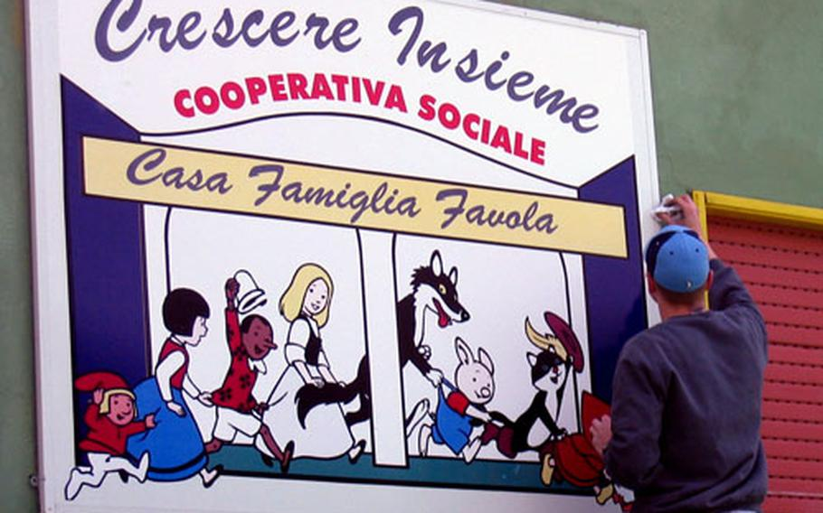 Volunteers from the Naples, Italy-based Latinos Unidos and others gathered Saturday at the Italian orphanage Cooperativa Sociale: Crescere Insieme-Casa Famiglia Favola in Monteruscello, a suburb of Naples, to paint and repair walls.