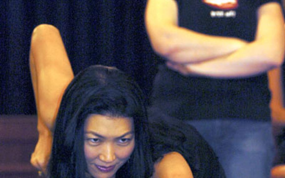 Jeanette Lee shows how it's done.