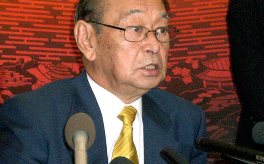 Okinawa Gov. Hirokazu Nakaima Monday holds his first press conference.