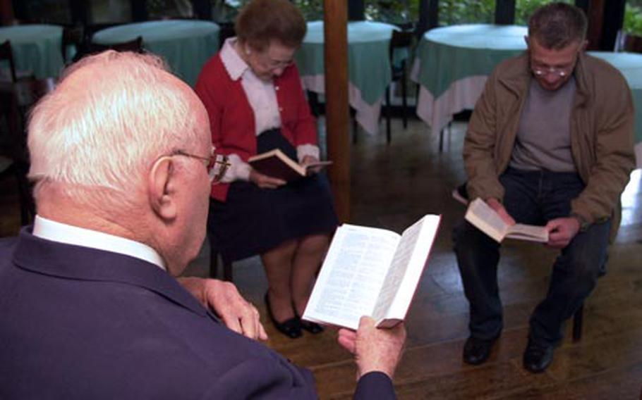 Dub and Doris Jackson listen while Christain Wanner, a 55-year-old accountant from Geneva, Switzerland, reads Matthew 7:7-11 at the Garden Chapel New Otani Hotel in Asakasa, Tokyo.