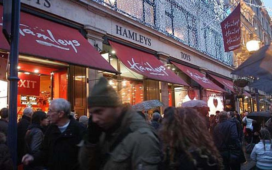 Hamleys on Regent Street is a madhouse during the holiday season. Between people and strollers, there's a human sea to navigate at the entrance.