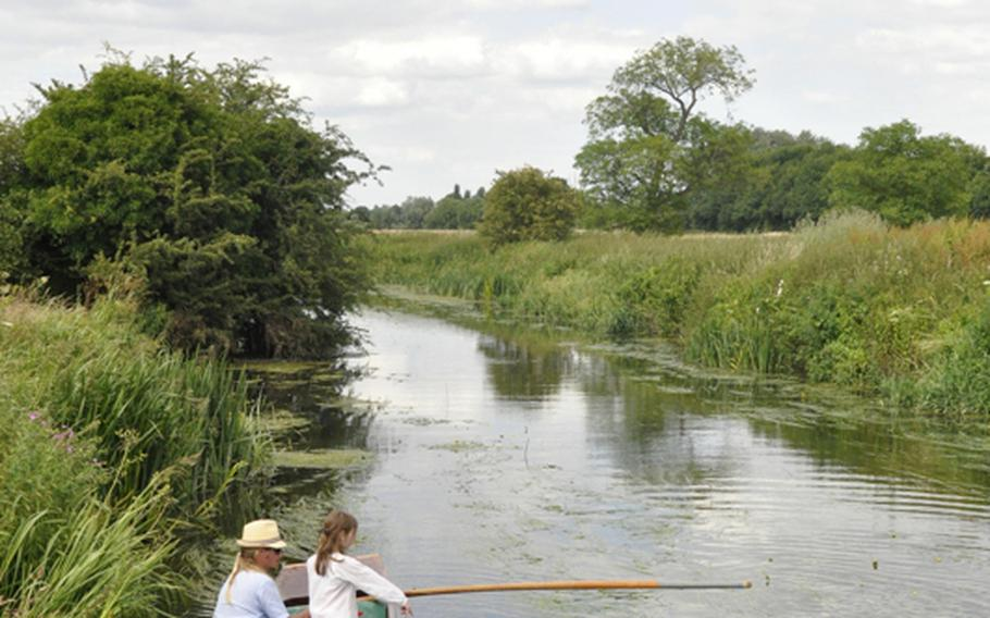 The Orchard tea garden sits near the River Cam. Those boating from nearby Cambridge can stop by the orchard for a bite to eat or a refreshing drink as they glide down the river.