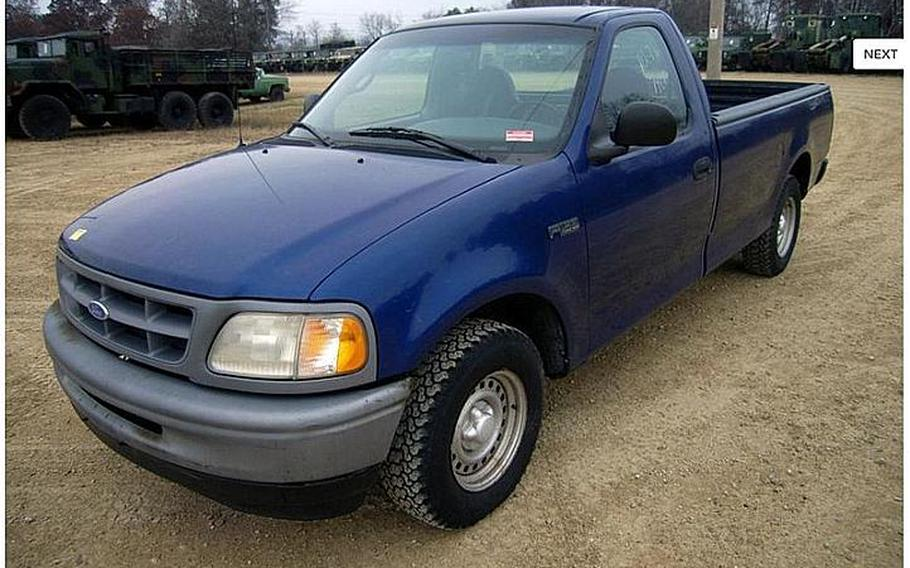A 1998 Ford F150 2WD Pick up truck is shown in this image from the Government Liquidation website.