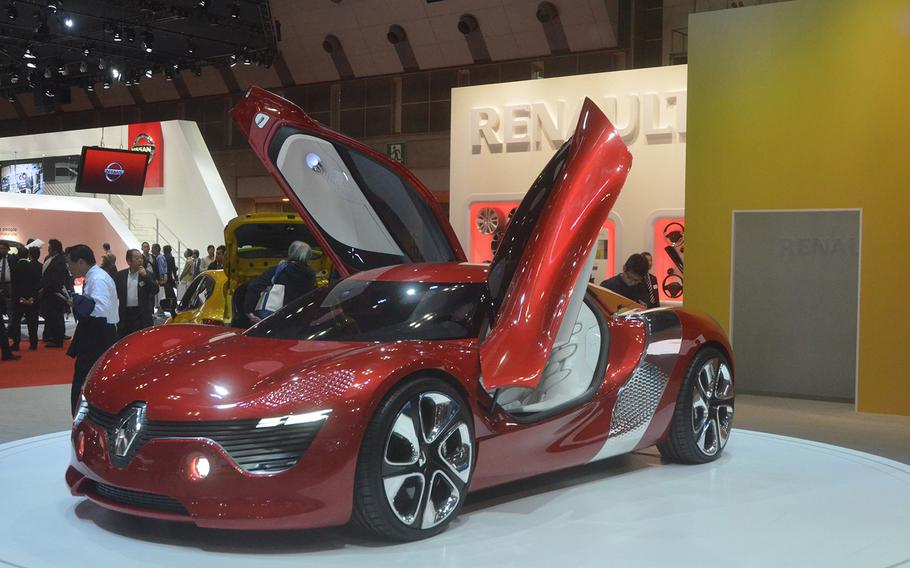 Renault's Dezir concept car runs on a 24kWh lithium-ion battery located behind the benchseat. The battery gives the car a range of about 100 miles on a full charge.