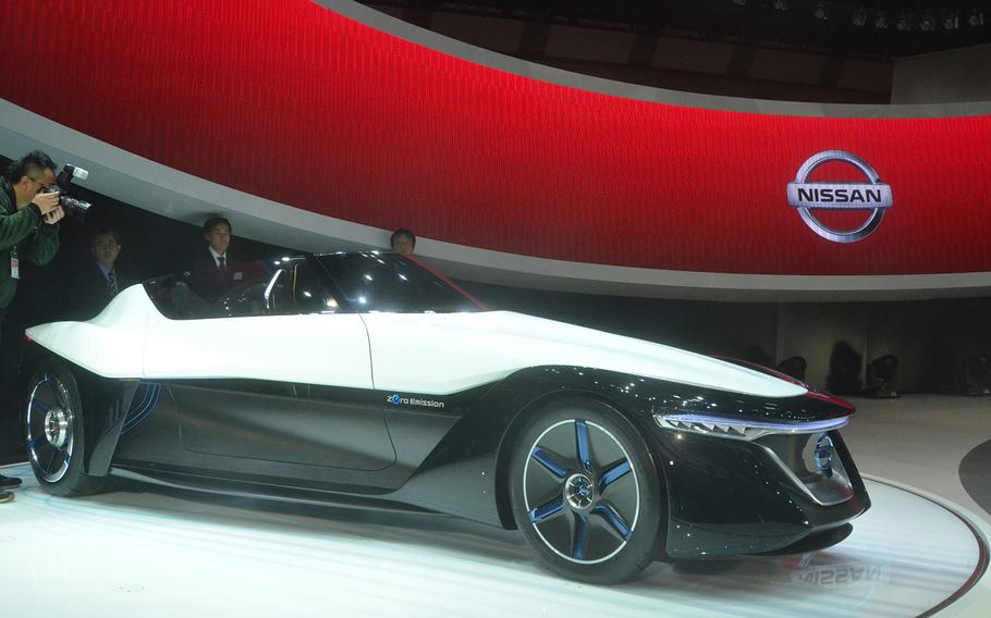 80p na     Nissan's Blade Glider concept car, unveiled to the public at the 2013 Tokyo Motor Show, is only about three feet-wide at its front end.