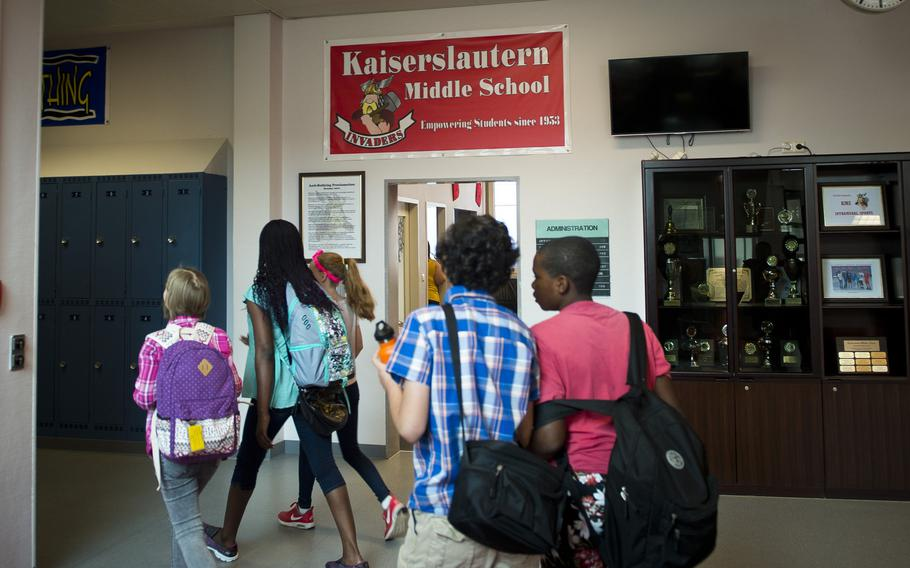 Kaiserslautern Middle School students move between classes during the first day of school at Kaiserslautern Middle School at Vogelweh, Germany, on Monday, Aug. 28, 2017.