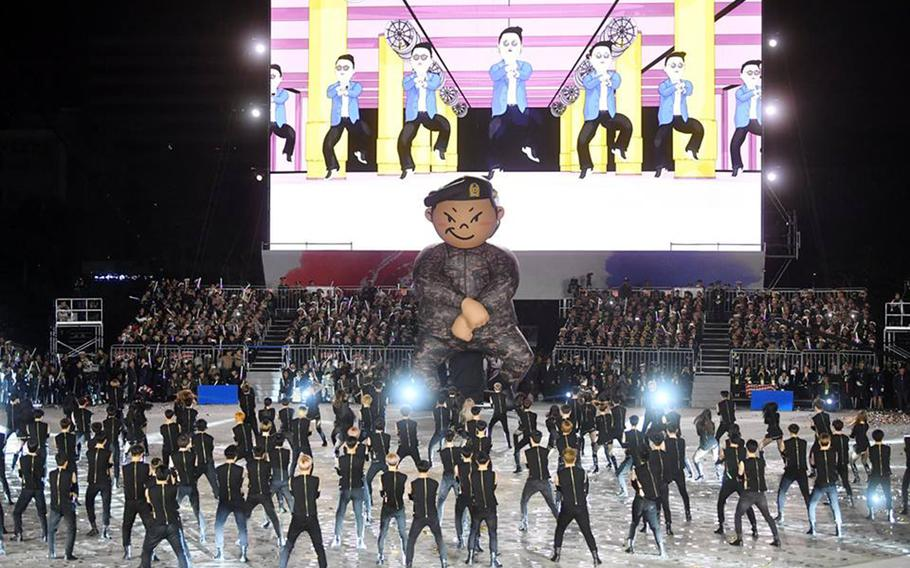 """Psy sings 2012 megahit """"Gangnam Style"""" during the 70th Armed Forces Day in Seoul, South Korea, Monday, Oct. 1, 2018."""