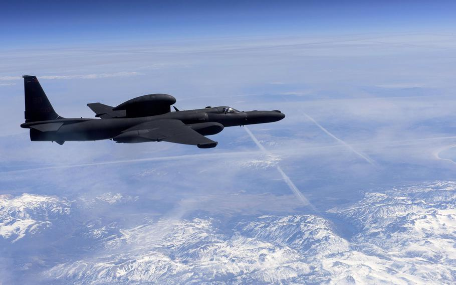 A U-2 Dragon Lady flies above the Sierra Nevada Mountain Range, California, Mar. 23, 2016. In effort to speed up what was previously a six-year process, the U.S. Air Force will for the first time allow undergraduate pilots to enter a direct pipeline to flying the legendary spy plane.