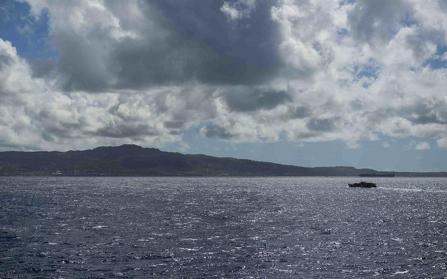 A landing craft utility vessel from the USS Ashland heads toward Saipan to assist with typhoon-recovery efforts, Nov. 12, 2018.