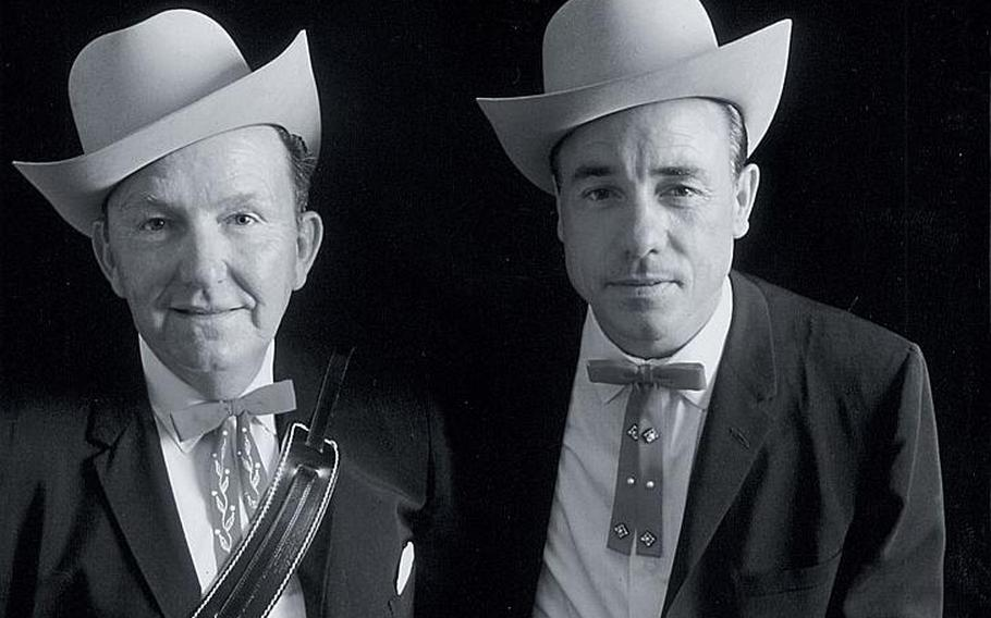 After Lester Flatt, left, and Earl Scruggs, right, broke up the Foggy Mountain Boys, Scruggs performed for hundreds of thousands of anti-war protesters in Washington on Nov. 15, 1969. He was one of the only country artists in attendance.