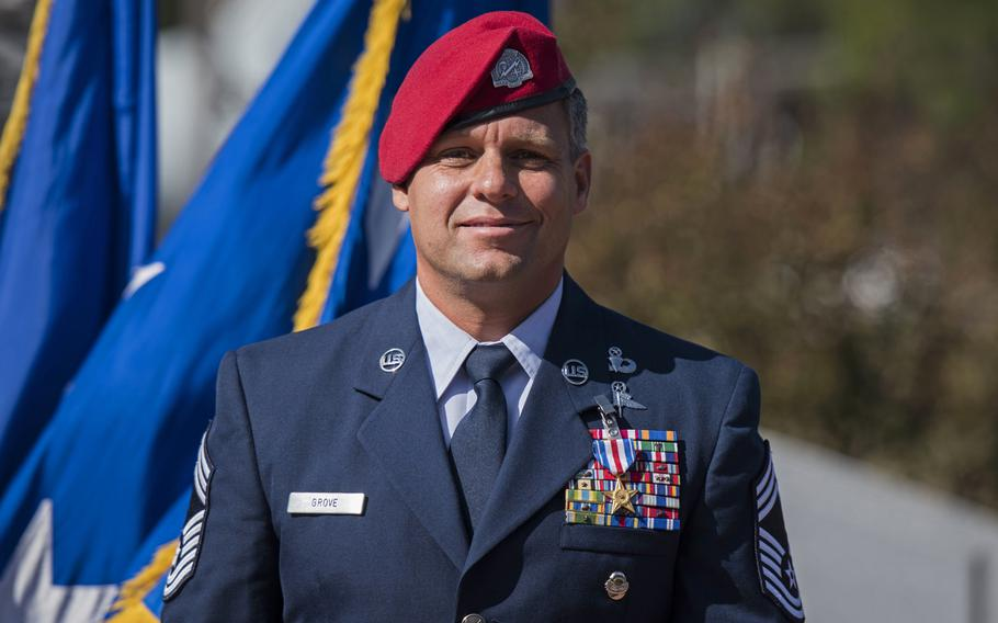 Chief Master Sgt. Chris Grove, a  combat controller assigned to the 720th Special Tactics Group, faces the crowd after receiving a Silver Star Medal during a ceremony at Hurlburt Field, Fla, on Nov. 15, 2019.