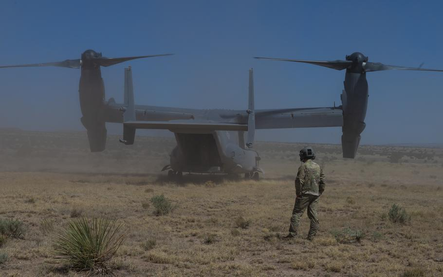 Members of the 71st Special Operations Squadron perform a CV-22 Osprey training exercise near Albuquerque, New Mexico, May 27, 2021.
