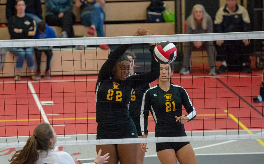 Skye DeSilva Mathis of Stuttgart taps it over the net during a game against Brussels, Saturday, Sept. 29, 2018.
