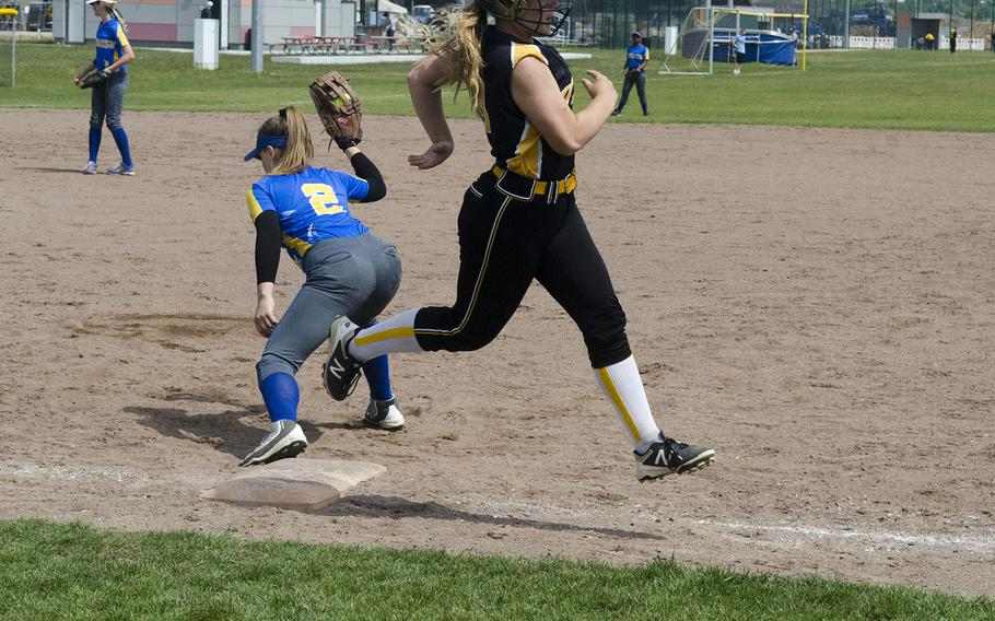 Wiesbaden's Emily Young made a catch at first base just before Vicenza's Tessa Houghton could reach the base during a doubleheader Saturday, May 19, 2018 in Wiesbaden, Germany. Wiesbaden's strong defense in the second lgame provided a basis for a 15-4 win.