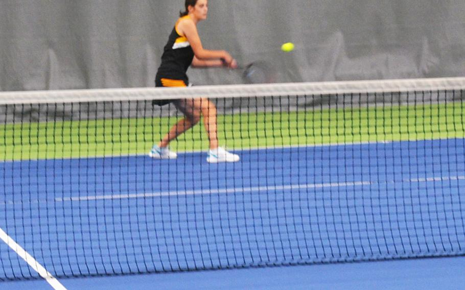 Stuttgart's Violet-Maria Williams hits a forehand down the line in a 6-1, 6-4 loss to Wiesbaden's Hope Goodwin in Wiesbaden, Germany on Saturday, Sept. 26, 2020.