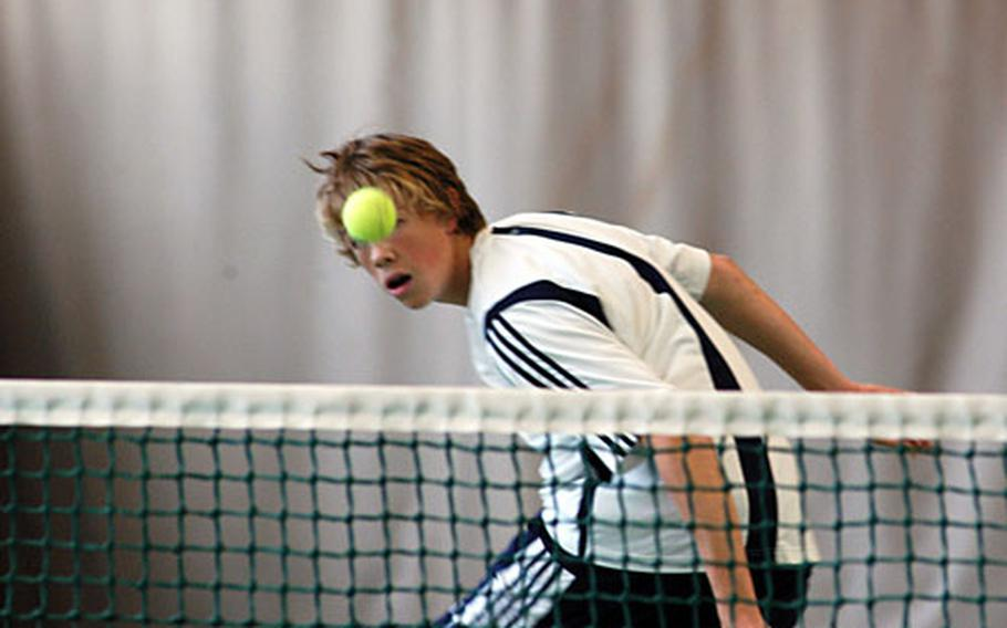 Heidelberg's Sam Pohl watches his shot clear the net in the boys' doubles final in Wiesbaden on Saturday.