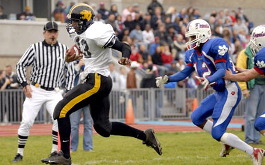 Patch's Brandon Perry runs in the Panthers' first touchdown against Ramstein midway through the second quarter on Saturday.