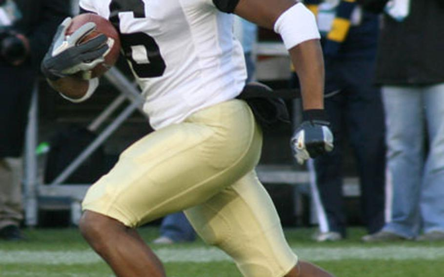 Army senior wide receiver Corey Anderson, shown here in the 2006 Army-Navy game, has returned 38 kickoffs for a total of 938 yards in 2007, a 24.7 average. He's also caught 28 paases for 307 yards.