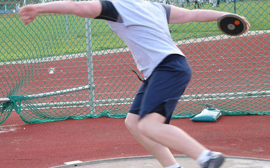 Patrick Hess threw over two feet farther Saturday than he did last May when he won the European discus gold medal with a heave of 125 feet, 1½ inches.