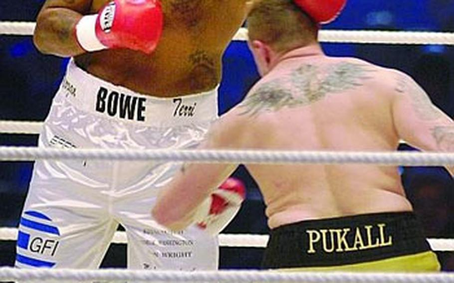 Former heavyweight champ Riddick Bowe, 41, controlled the heavyweight fight against 33-year-old Gene Pukall Saturday night at SAP Arena in Mannheim. Bowe won a unanimous decision.