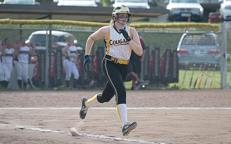 Vicenza's Chenoa Gragg runs to first during the DODEA-Europe softball tournament in Kaiserslautern, Germany, on Friday, May 25, 2018.