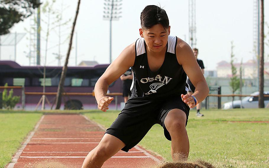 Osan's Edward Kim won the boys D-II triple jump, the first time the event was on the Far East meet program.