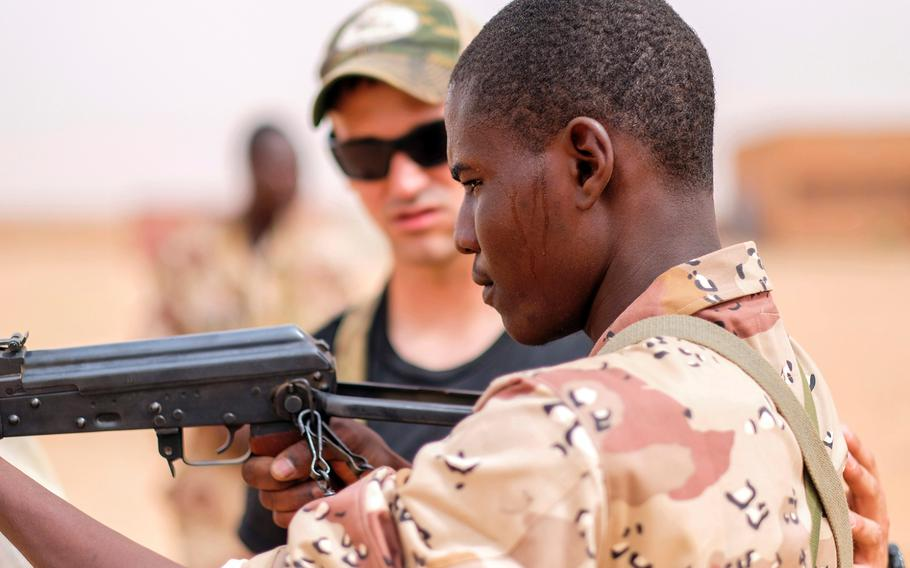 Nigerien soldiers conduct close quarters combat training with U.S. Special Forces advisors during Flintlock 2018 April 13, 2018 in Agadez, Niger.