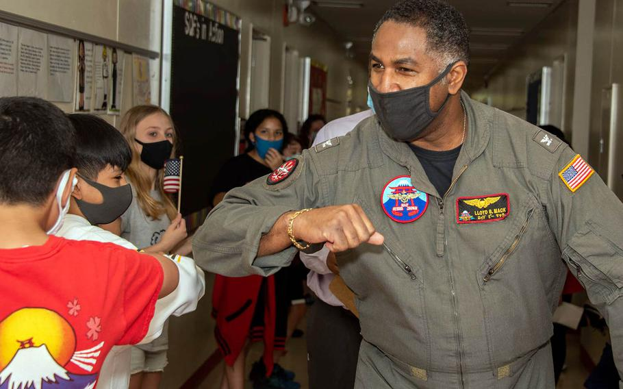 "Capt. Lloyd B. ""Chili"" Mack says goodbye to students from Shirley Lanham Elementary School at Naval Air Facility Atsugi, Japan, Sept. 15, 2020."