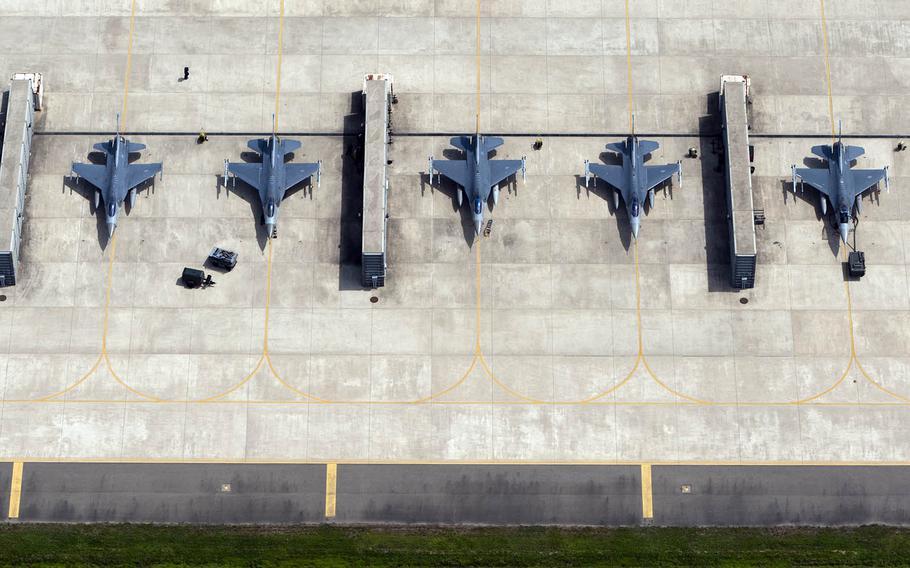 F-16 Fighting Falcons are seen at Kunsan Air Base, South Korea, Aug. 15, 2013.