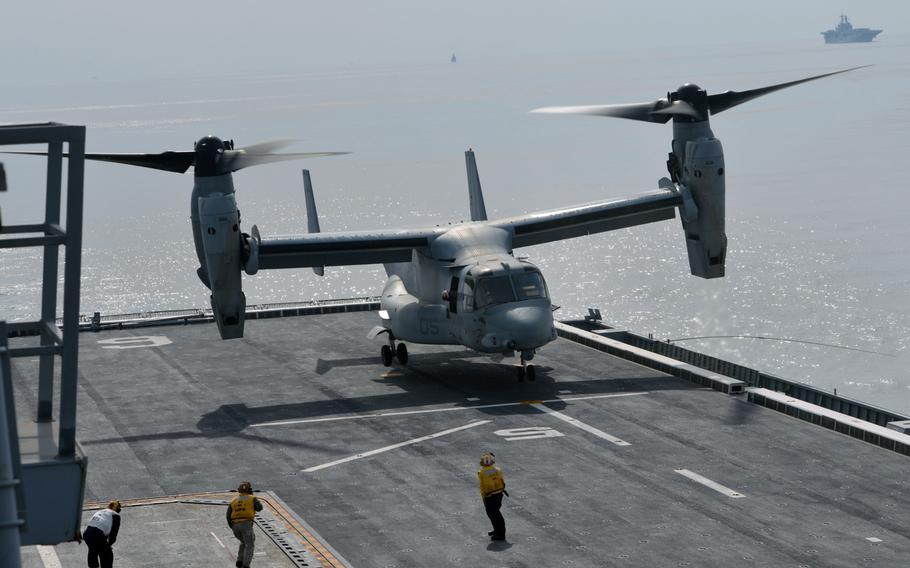 An MV-22 Osprey touches down on the deck of the South Korean ship ROKS Dokdo off the southern coast of the Korean peninsula on March 26, 2015.