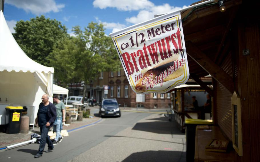 Vendors line the streets downtown during the annual Lautrer Altstadtfest in Kaiserslautern, Germany, on Friday, June 30, 2017.