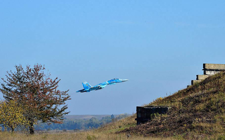 A Su-27 Flanker takes off from Starokostiantyniv Air Base, Ukraine, Oct. 10, 2018.
