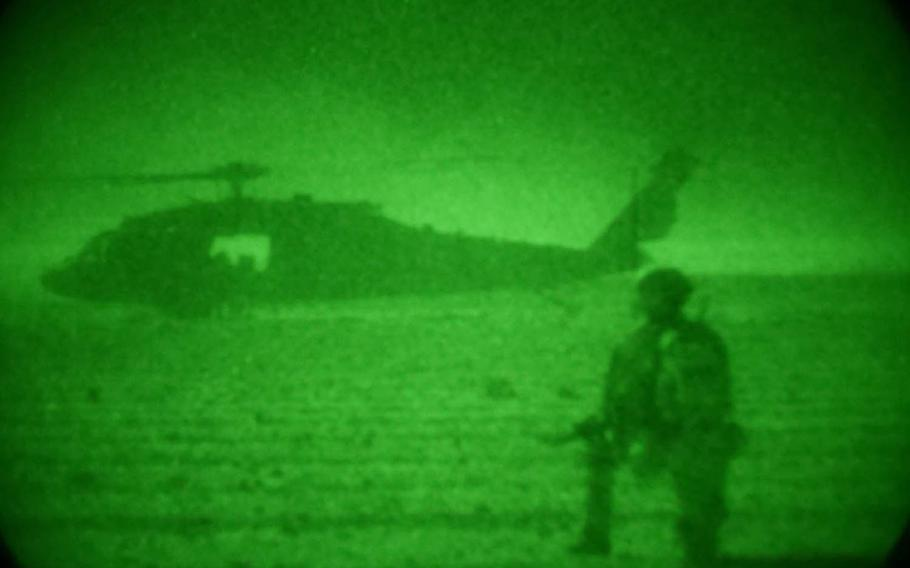 A U.S. Army Blackhawk helicopter prepares for liftoff during offensive operations against the Taliban in Tarin Kot district, Uruzgan province, August 18, 2018.