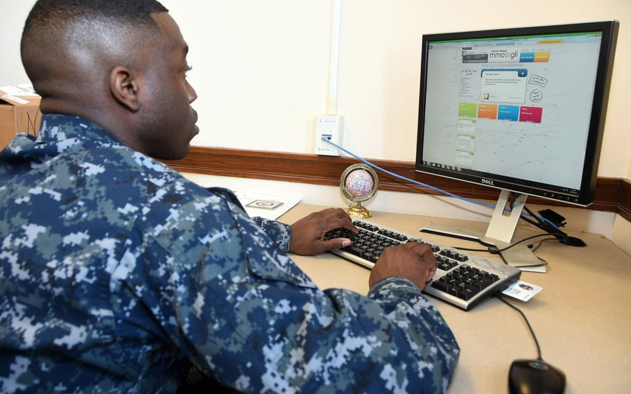 A sailor provides feedback to evaluate training practices at Training Support Center Great Lakes, Ill., in 2016. The Navy eliminated most of its unpopular online training programs on March 27, 2017, in favor of face-to-face training with unit leaders.