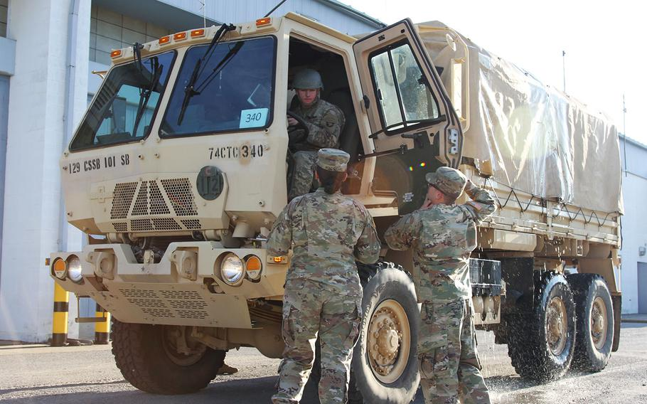 Soldiers assigned to 101st Sustainment Brigade, 101st Airborne Division, conduct training and preparations for Hurricane Florence relief efforts, Sept. 13, 2018 at Fort Campbell, Kentucky.
