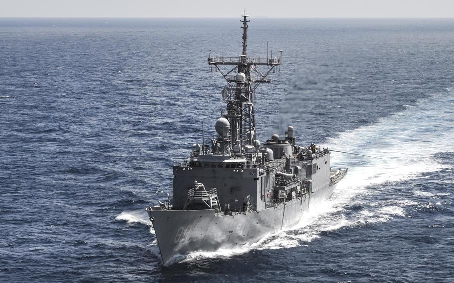 The Oliver Hazard Perry-class guided-missile frigate USS Rodney M. Davis departs from a replenishment-at-sea in 2014. Ukrainian media reported Thursday that Kiev was in talks with the U.S. to obtain Oliver Hazard Perry-type U.S. Navy frigates.