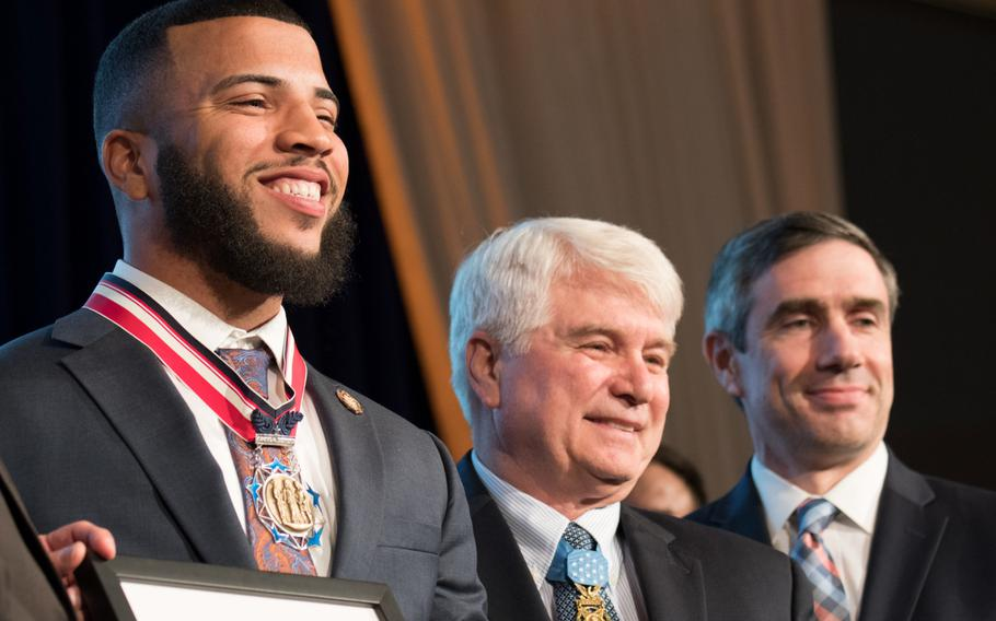 Blaine Hodge was severely injured in 2018 after defending a woman from a machete-wielding attacker. Hodge and the woman survived, thanks to his intervention. For that heroic action, Hodge was presented with the Single Act of Heroism award at the 2019 Citizen Honors Service Act Award ceremony held in Washington on Monday, March 25, 2019.