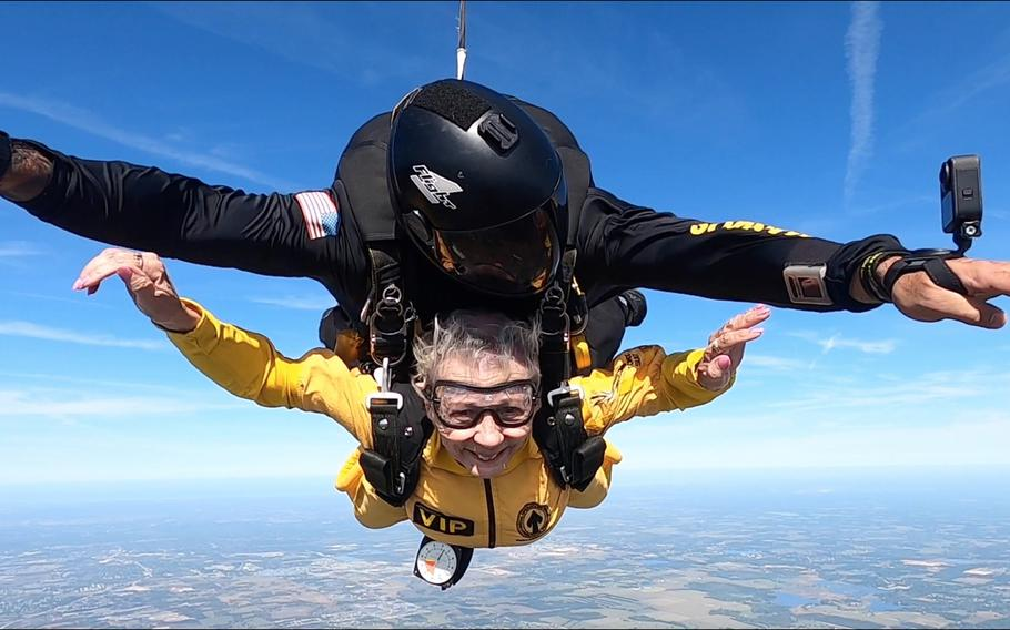 Sandee Rouse, Gold Star mother, and Army Sgt. Maj. Jose Vazquez, Special Operations Command Para-Commando, skydive March 13, 2021, in Zephyrhills, Fla. Rouse's son, Pfc. Jim Markwell, died during Operation Just Cause in Panama in 1989.