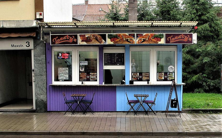 Toasty's, a new sandwich eatery in downtown Kaiserslautern, Germany, is housed in a very humble building. But it does boast a high-profile location directly across the street from the K in Lautern shopping mall.