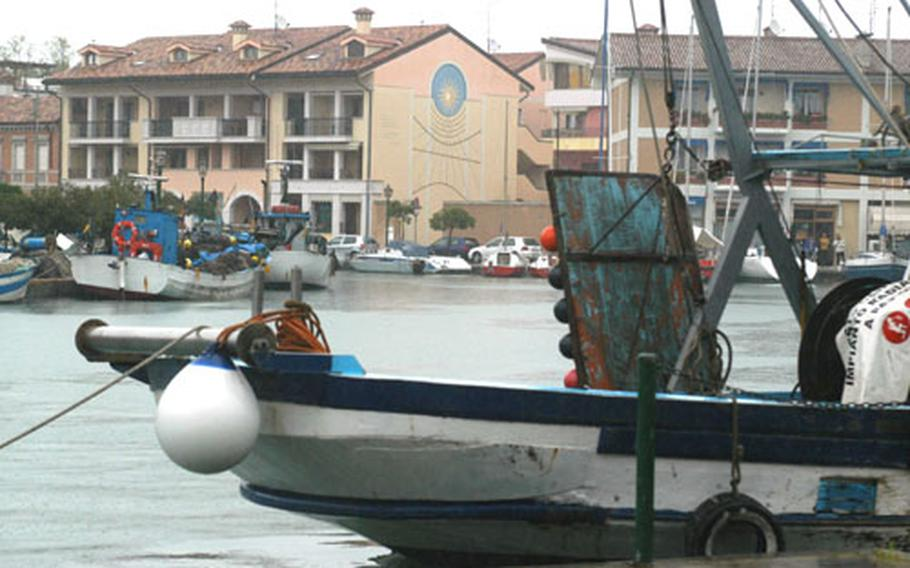 Tourism is important to Grado. But the city has relied for centuries on its fishing industry and that's still an important part of the economy today. Sight-seeing trips of the surrounding lagoon and other areas are also available by boat during the summer.