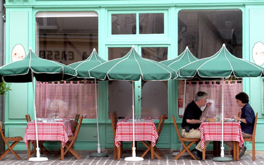 Bayeux has many hotels and restaurants that offer traditional regional dishes.