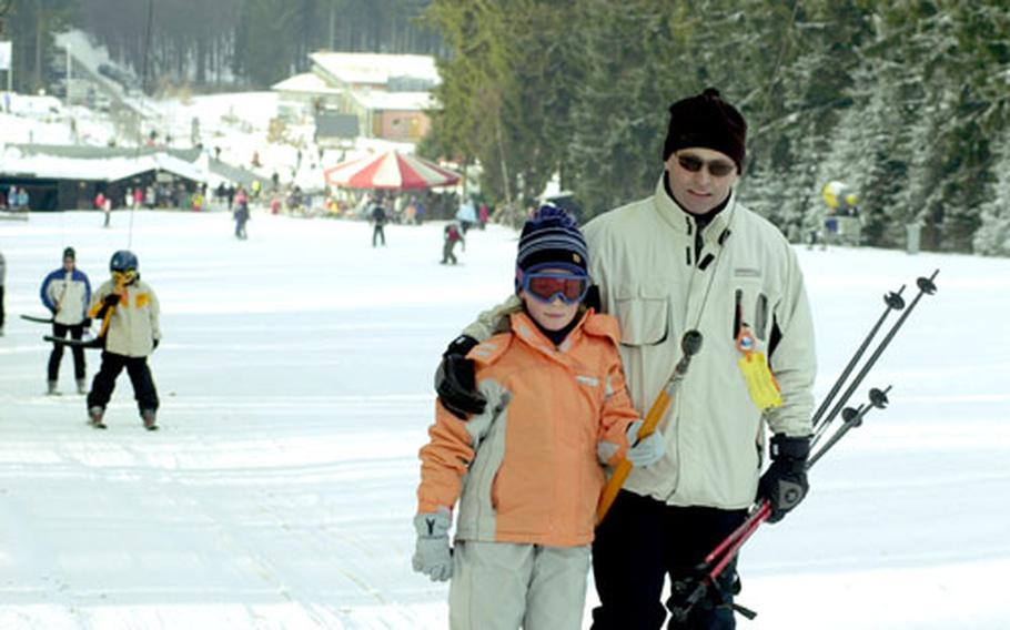 Unlike some Alpine resorts, Erbeskopf is family friendly, with lots of people having a family day out on the snow either skiing or sledding.