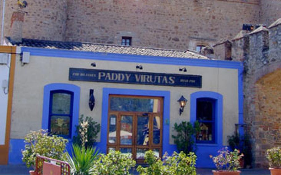 Zafra is a small, tidy town with a nice selection of bars and restaurants. About a million visitors come to the town at the end of each September for its festival, a combination of rodeos, auctions and animal displays, fairgrounds and food.