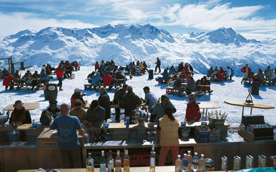 Half the fun of coming to the slopes at Corviglia is hanging out at the mountain bar.