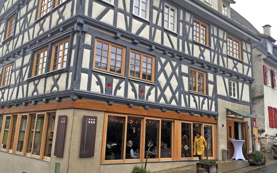 Drei Mohren is a Turkish restaurant in Sindelfingen's old town area. The eatery operates out of a 300-year-old building that was restored several years ago.