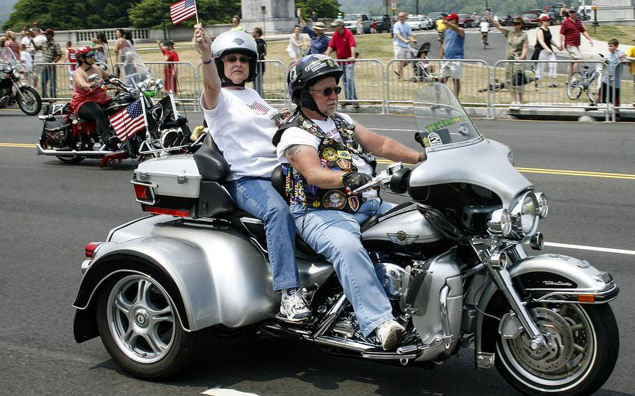 Participants in the 2007 Rolling Thunder event arrive in Washington, D.C. after gathering at the Pentagon.